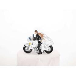 Tortová svadobná figúrka, mladý pár na motorke, 11cm