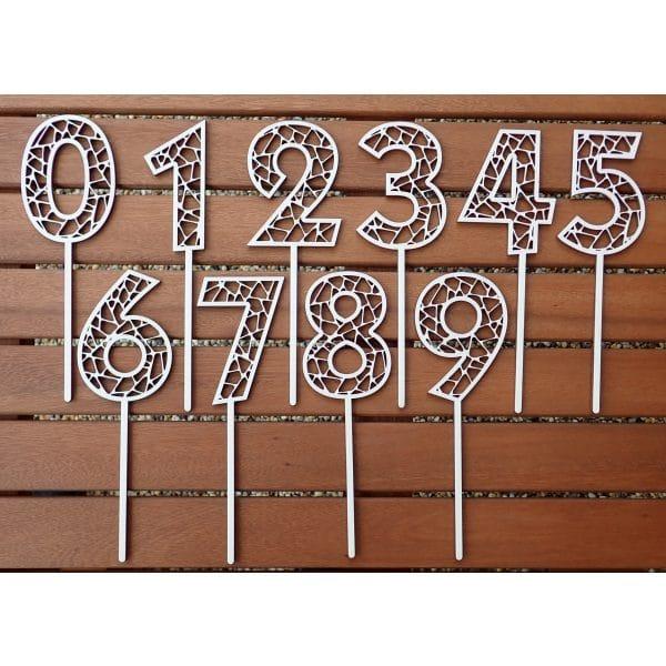 Drevený zápich na tortu číslo